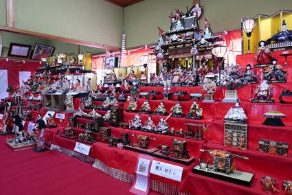 榊原温泉のお雛さま展示施設のご案内